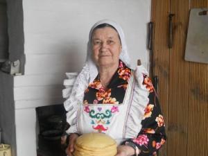 Габдуллина Нюра приглашает на чай с блинами